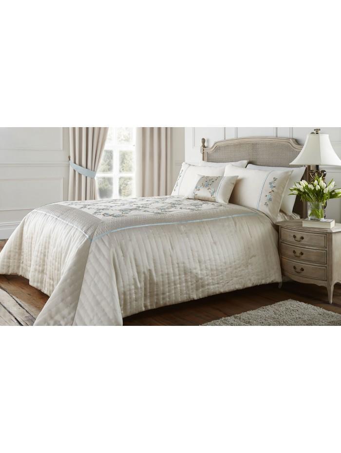Delicate Flower Bedspread Duckegg