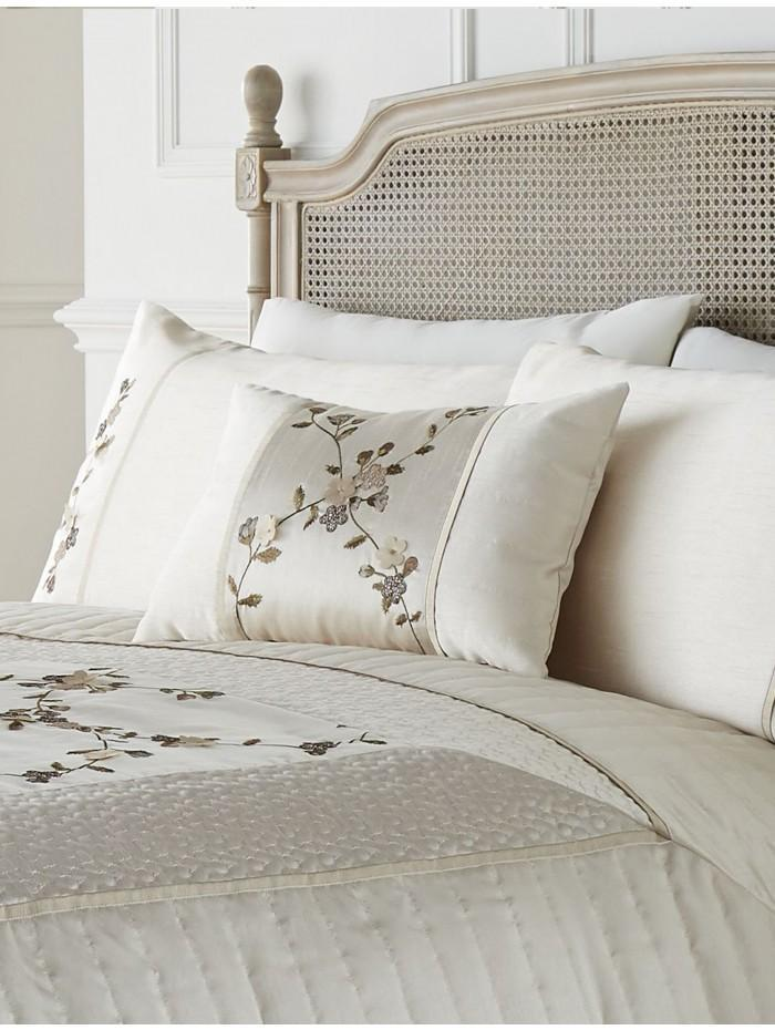 Delicate Flower Cushion Natural