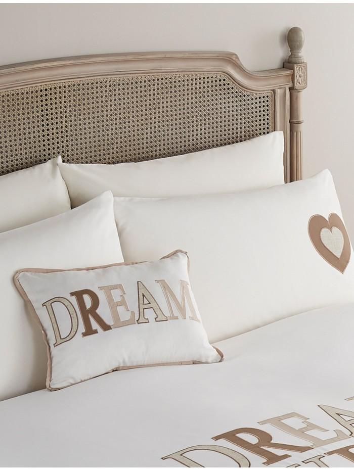 Traditions of Britain Dream Sweet Dream Cushion Cream