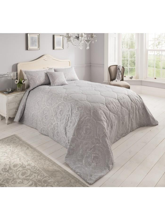 Victorian Charm Jacquard Bedspread White