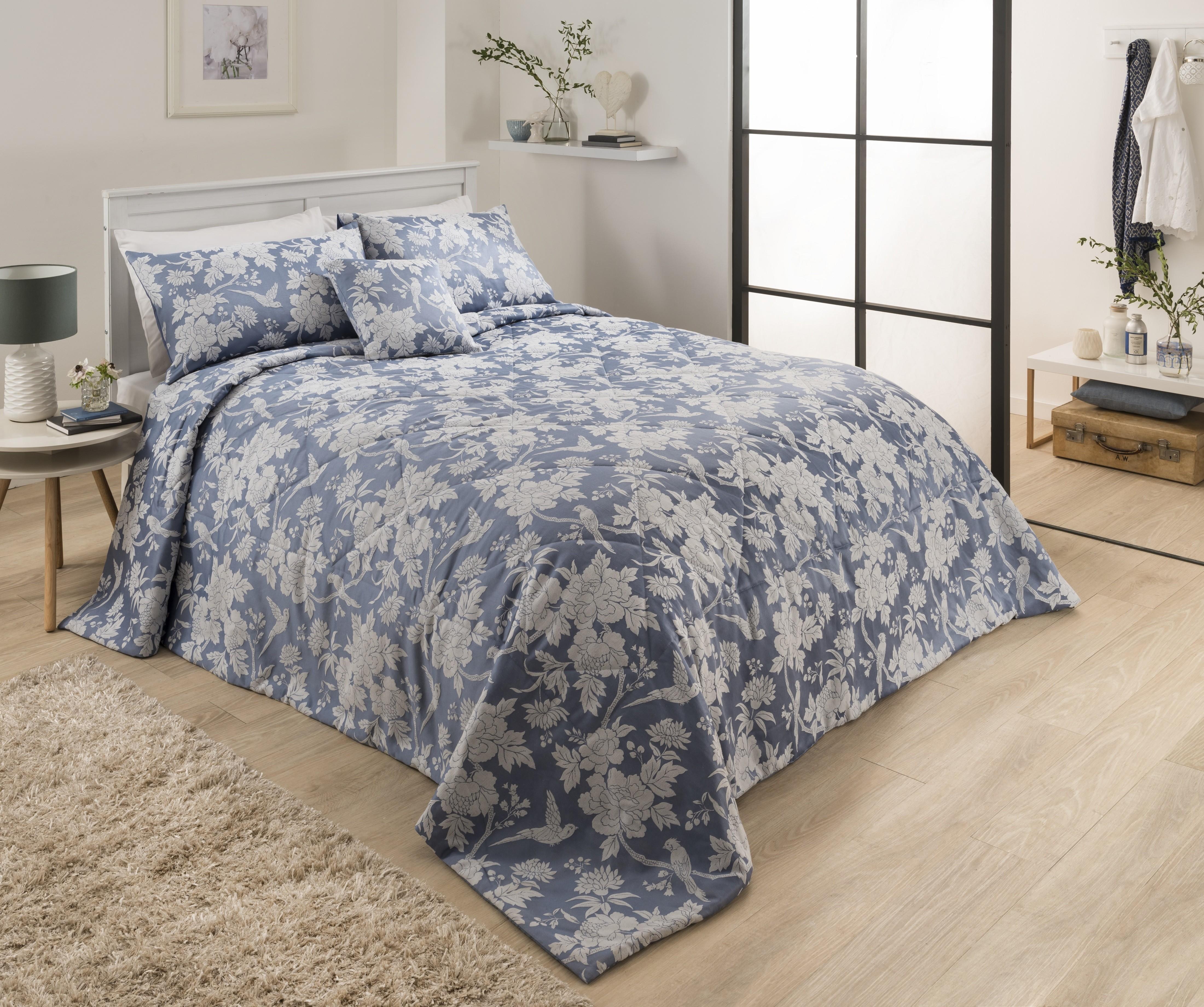 Swift Jacquard Bedspread Blue   Ponden Homes