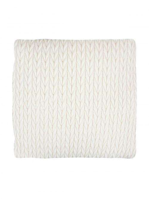 Pleated Cushion Cream